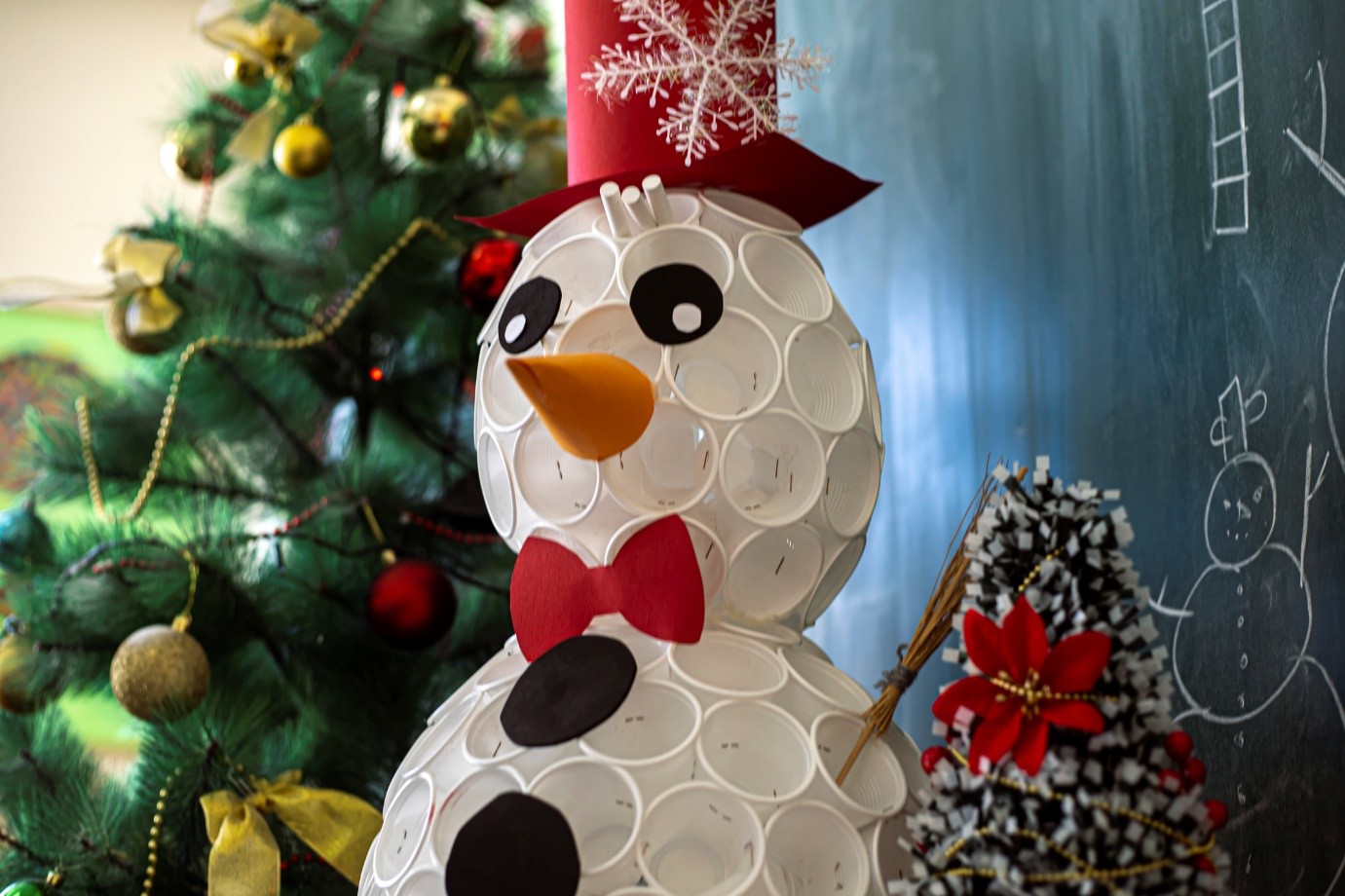 homemade snowman with cups