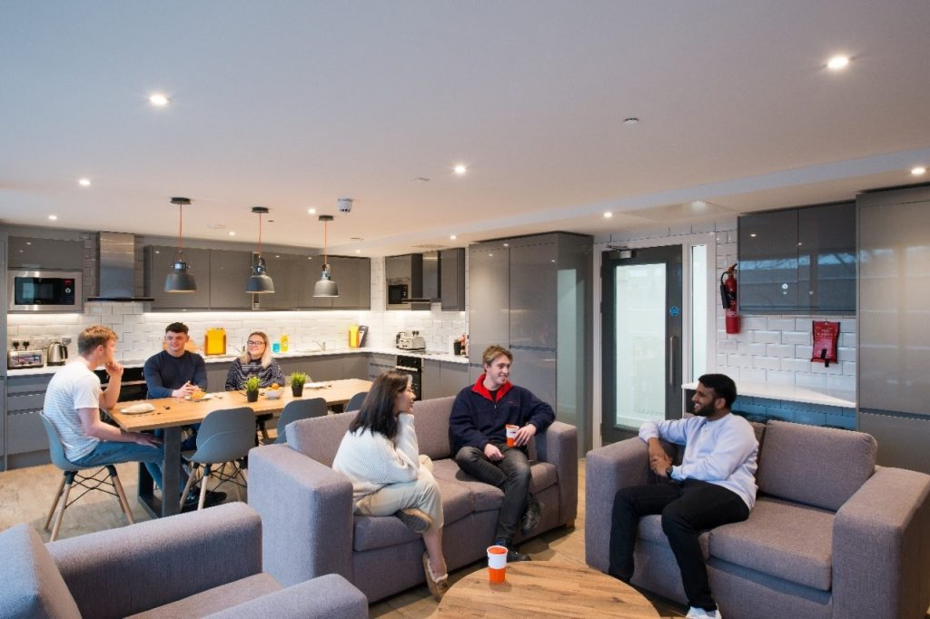 thumbnail_CityBlock_-The-benefits-of-living-in-student-accomodation-picture-2