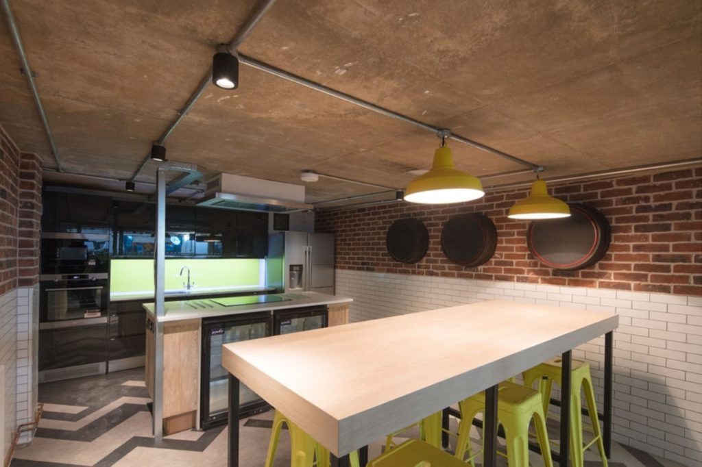 thumbnail_CityBlock_-The-benefits-of-living-in-student-accomodation-picture-4
