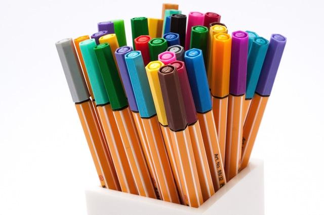 colored-pencils-felt-tip-pens-color-crayons-53190